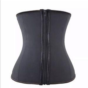 Intimates & Sleepwear - waist clincher